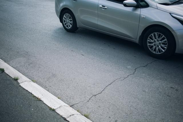 ひび割れするコンクリートの原因と対策方法