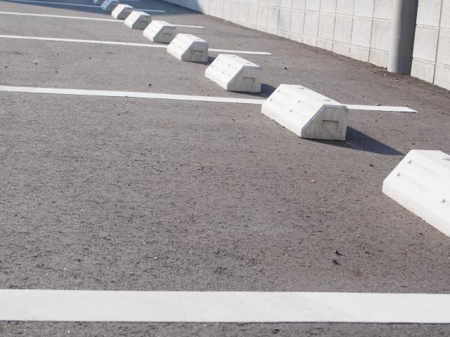 アスファルト舗装の種類による特性の違いとよく使われている場所